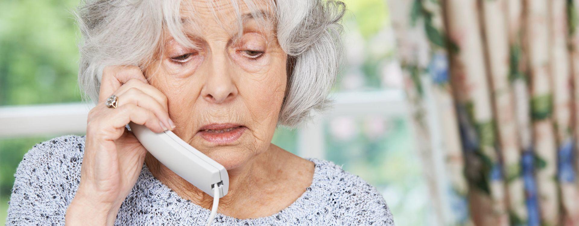 Oszuści mają nowy sposób na wyłudzenie pieniędzy od osób starszych
