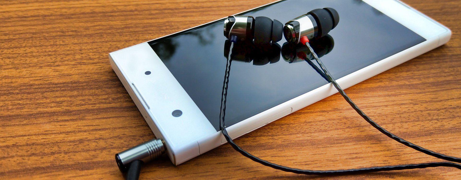 Sony Xperia XA1 i słuchawki SoundMagic E10C