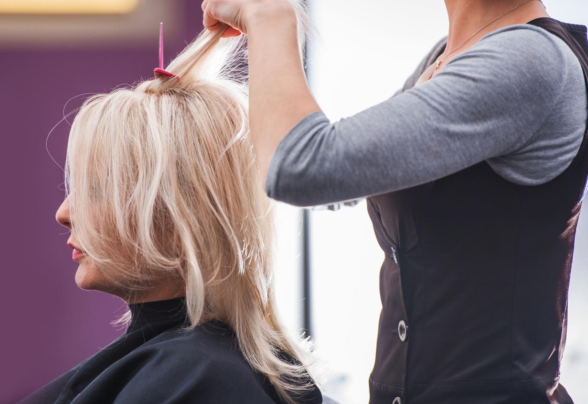 Cieniowanie Włosów Dla Kogo Rodzaje Cieniowania Fryzury