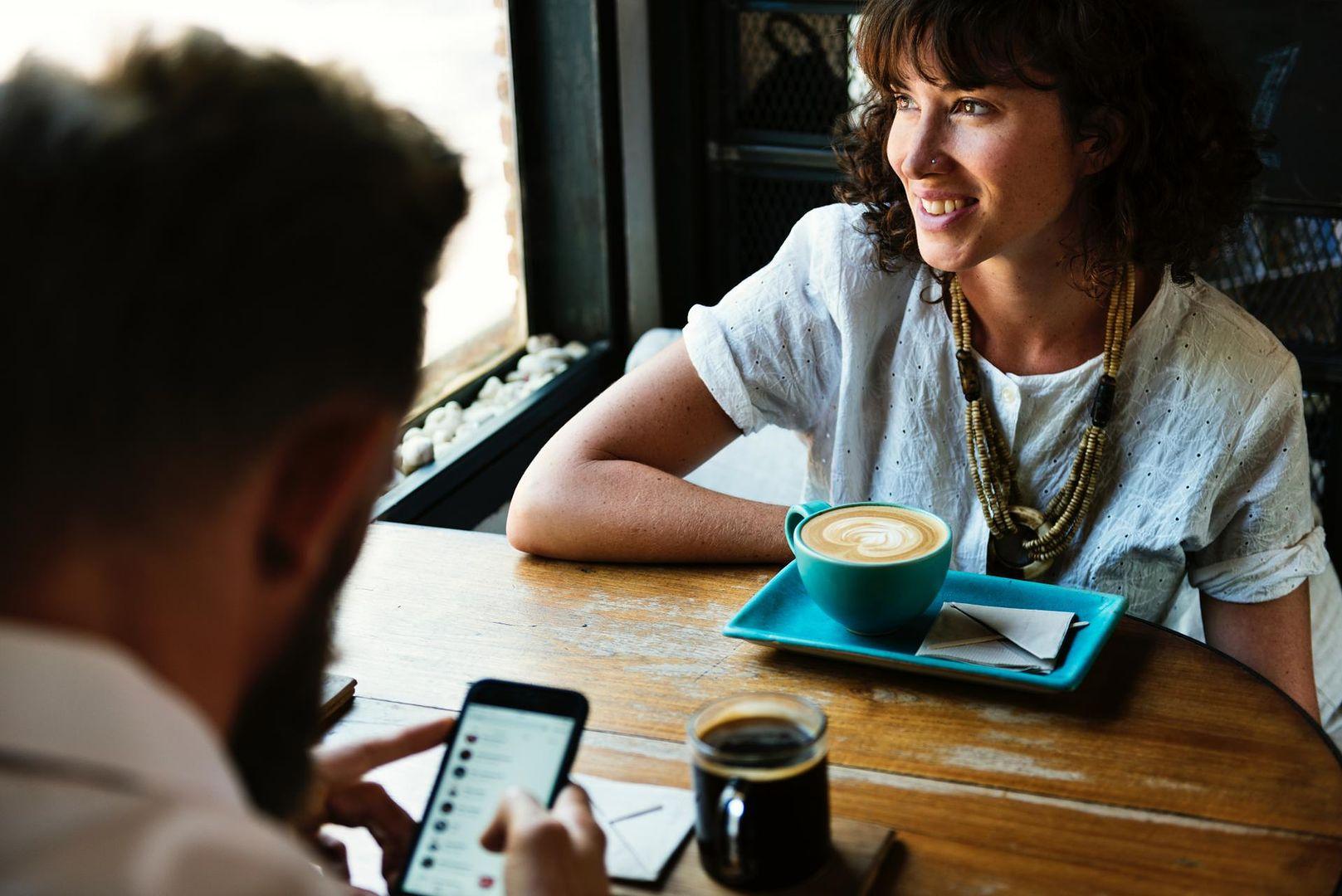 5 na żywo bada randki online