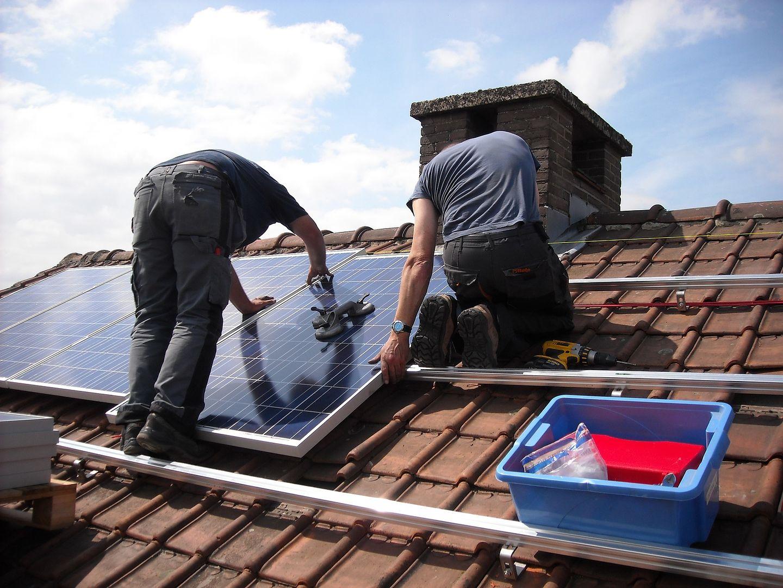 Podłącz panele słoneczne do sieci