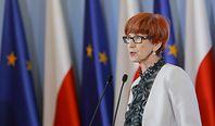 Elżbieta Rafalska: Program Dobry start wpisany w politykę rodzinną rządu. Każdy rodzic, którego dziecko się uczy, dostanie 300 zł