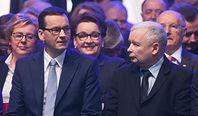 """""""Piątka Kaczyńskiego"""". Ekonomiści liczą koszty i wskazują konsekwencje"""