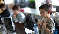 Polska edukacja wkracza w nową erę. Tysiące szkół dołączą do superszybkiej sieci