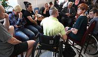 500+ dla osób z niepełnosprawnością. Próg dochodowy budzi kontrowersje