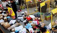 Miliony zamówień z Chin i Aliexpress to przekleństwo Poczty Polskiej i budżetu
