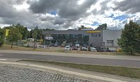 Milenialsom najbliżej do salonów Opla, Renault i Peugeota. Niemieckie marki premium daleko z tyłu