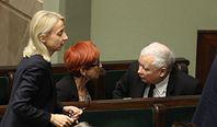 """""""Piątka Kaczyńskiego"""" wciąż czeka. Na razie na wymianę ministra finansów"""
