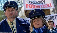 Poczta Polska nie wejdzie na giełdę, ale za to da podwyżki pracownikom