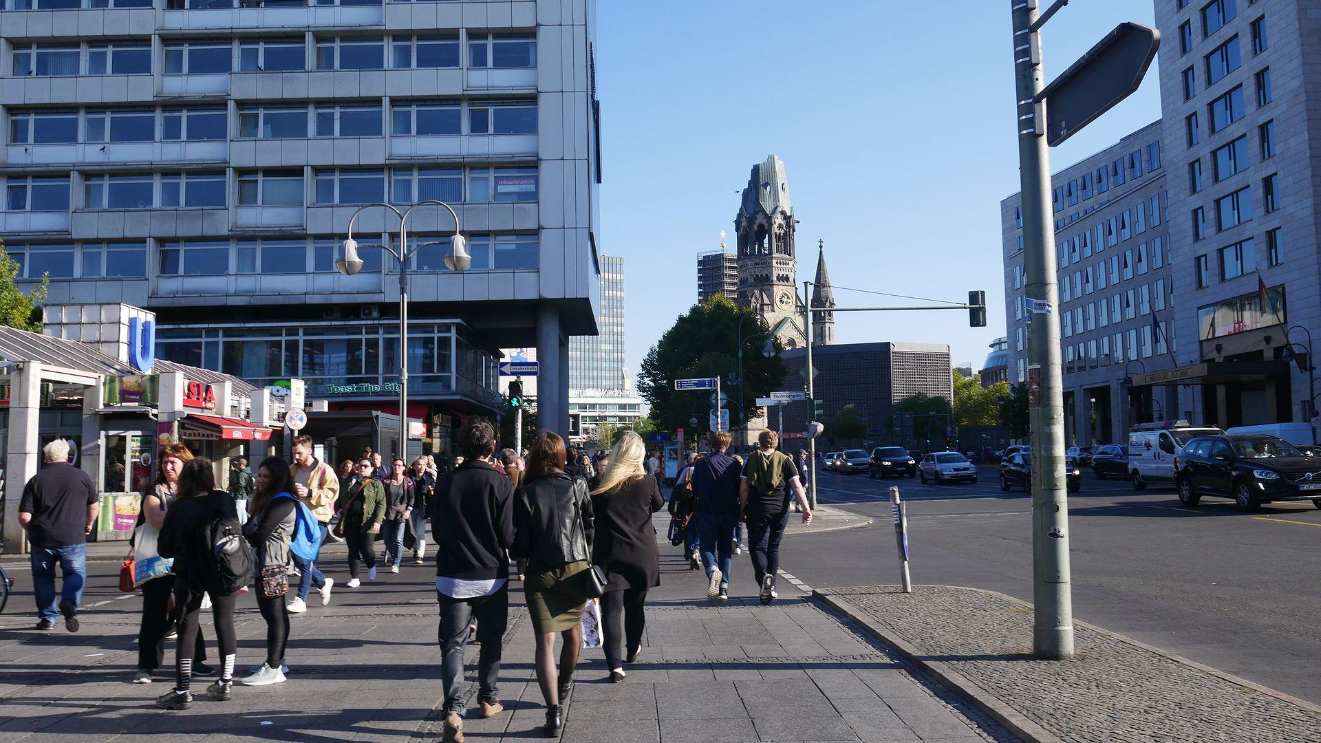 Więcej na temat mandatów drogowych w Niemczech.