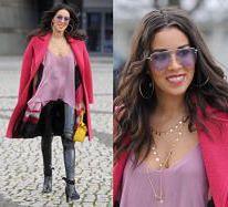 Macademian Girl w lateksowych spodniach wychodzi z TVP