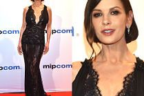 Elegancka Catherine Zeta-Jones pozuje w Cannes