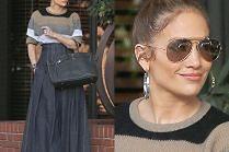 Jennifer Lopez lansuje modę na szerokie spodnie