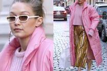Cukierkowa Gigi Hadid dźwiga torby w puchówce za 4 tysiące
