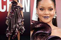 Za co przebrała się Rihanna?