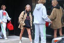 Zakochani Justin Bieber i Hailey Baldwin w drodze do kawiarni