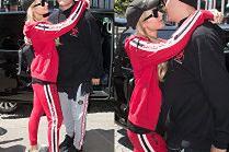 Rozmarzona Paris Hilton wpatruje się w narzeczonego