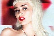 Miley w blond peruce reklamuje szminki!