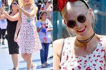 Dziewczęca Karlie Kloss świętuje urodziny w Disneylandzie
