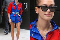 Hailey Baldwin lansuje modę na wiatrówkę w roli sukienki...