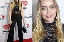 Mniej znana siostra Miley Cyrus pozuje na rozdaniu nagród
