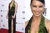 """Ulizana Adriana Lima w welurowej sukni i """"makijażu sylwestrowym"""""""