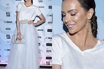Rozświetlona Anna Wendzikowska lansuje modę na tiulowe spódnice