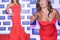 """Hollywoodzka"" Anna Mucha pręży się na ściance TVP"