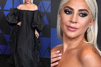 Lady Gaga w kreacji Valentino przywodzącej na myśl worek na śmieci