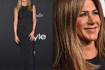 Zadowolona Jennifer Aniston eksponuje umięśnione ramiona na gali InStyle