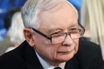 Nowy aniołek Jarosława Kaczyńskiego. Zobaczcie, kto wywołał uśmiech na twarzy prezesa (FOTO)