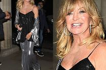 Roześmiana Goldie Hawn kusi odsłoniętym ramieniem