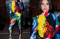 Dua Lipa podbija Nowy Jork w kombinezonie Versace