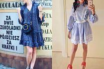 Niebieska sukienka na lato - z czym ją nosić?