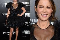 """45-letnia Kate Beckinsale kusi odsłoniętym dekoltem na premierze """"Widow"""""""