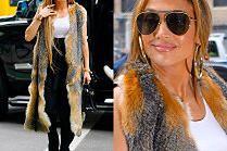 Jennifer Lopez chwali się kamizelką z futra i torebką z krokodyla