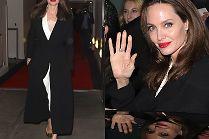 Elegancka Angelina Jolie rozdaje autografy w Londynie