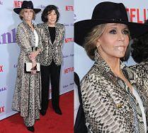 Jane Fonda w skórze węża i z plastrem na wardze