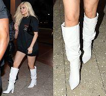 Zadowolona Kylie Jenner paraduje w blond peruce i białych kozaczkach