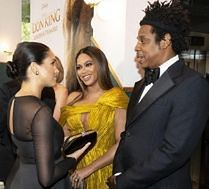 Meghan Markle i Beyonce DWUKROTNIE złamały protokół na premierze