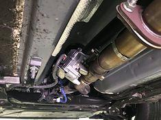 Układ wylotowy spalin to nie tylko rury, ale i masa czujników oraz urządzeń. Na zdjęciu przepustnica wydechu.