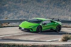 Osiągi i emocje, ale z wykorzystaniem prądu - tak rysuje się przyszłość Lamborghini.