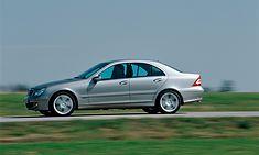 Elegancka sylwetka Mercedesa Klasy C zachęca, ale warto zajrzeć pod auto przed podpisaniem umowy