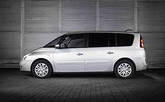 Tanio i przestronnie, a w nowszych autach również na bogato. Renault Espace to model, który oferuje bardzo dużo za niewielkie pieniądze.