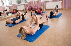Przyciąganie kolana do klatki piersiowej