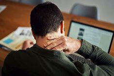 Ból karku i szyi to zmora osób pracujących przy komputerze