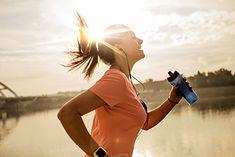 Kobieta biegająca rano