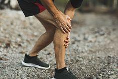 Na zdjęciu: sportowiec cierpiący na ból kolana