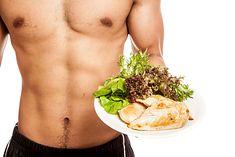 Na diecie wysokobiałkowej można spożywać m.in. chude mięso i ryby