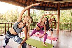 Kobiety ćwiczące jogę dynamiczną